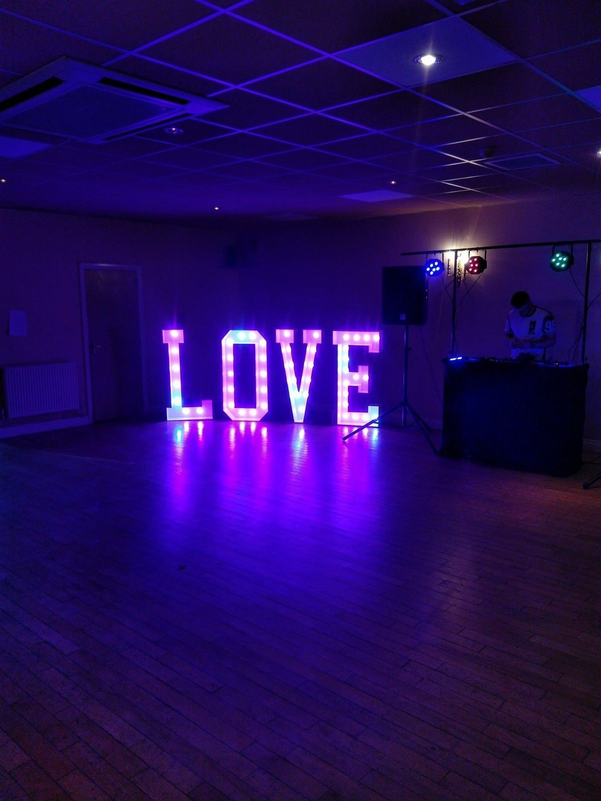 4ft LOVE letters purple